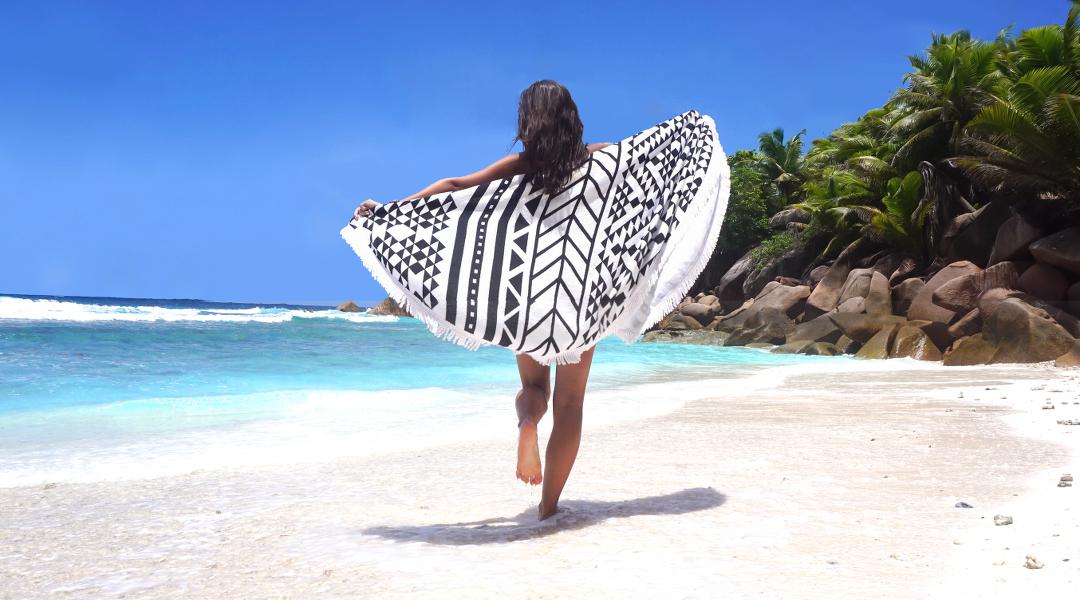 la serviette de plage ronde l na lle. Black Bedroom Furniture Sets. Home Design Ideas